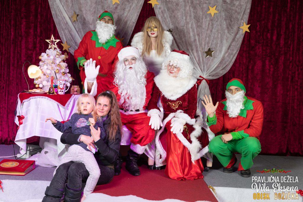 Lina na rajanju z Božičkom in Vilo Ekseno