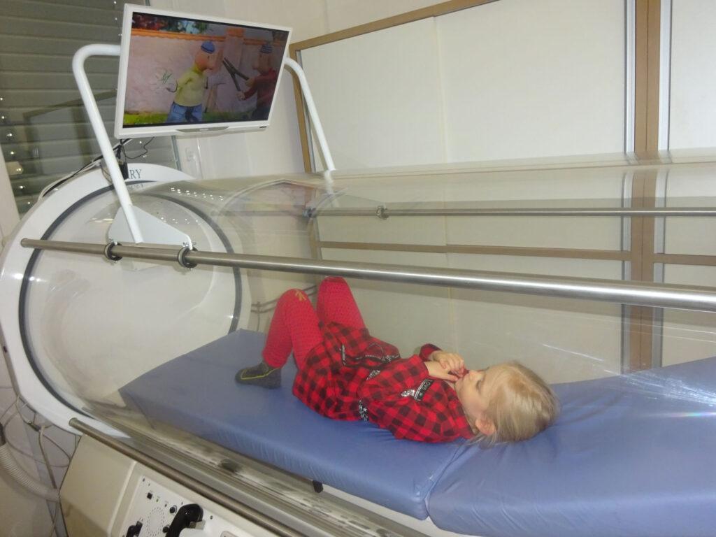 Zdravilni učinki hiperbarične kisikove komore za otroke s posebnimi potrebami